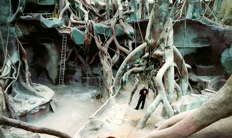 Sculpture of artificial jungle for Prague ZOO. 2002-4/concrete, fiberglass, epoxy.